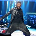 Usher-got-up-close-personal-fans-during-his-performance