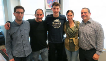 shawn mendes_group_1-2