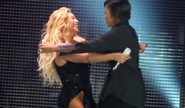 NEW YORK, NY - SEPTEMBER 26:  Beyonce and Michelle Obama hug during the 2015 Global Citizen Festival at Central Park on September 26, 2015 in New York City.  (Photo by Taylor Hill/WireImage)