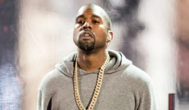 Kanye-West-Performs-Wolves-On-SNL40--640x360