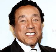 Legendary Motown icon and Grammy award-winning songwriter, Smokey Robinson, has signed a record deal with Verve Music Group. Robinson was...