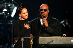 Alicia-Keys-Stevie-Wonder-Billboard-Music-Awards-2012