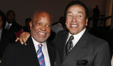Smokey+Robinson+Foundation+Join+Give+Back+WZ87VW2Zd3 l 370x215 The GRAMMY Museum To Honor Berry Gordy And Smokey Robinson